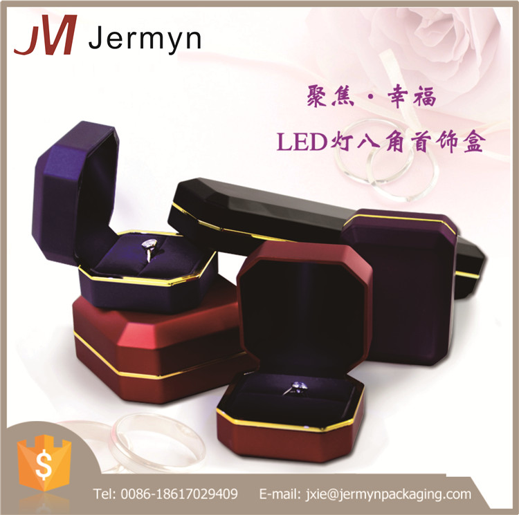 Factory stocks high quality custom jewellery box with led light