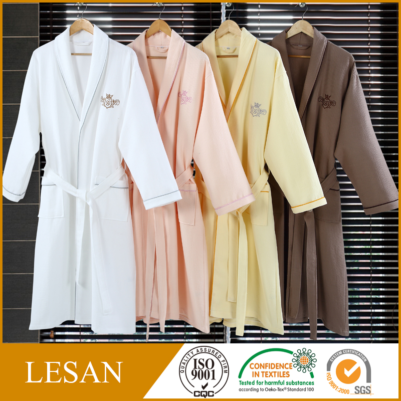 <strong>100</strong>% cotton bathrobe, <strong>manufacturers</strong> selling hotel waffle bathrobe, custom embroidery trademark bathrobe