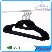 Velvet clothes hanger plastic hanger from chinese supplier