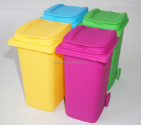 Small desktop indoor cheap plastic mini trash can with lid