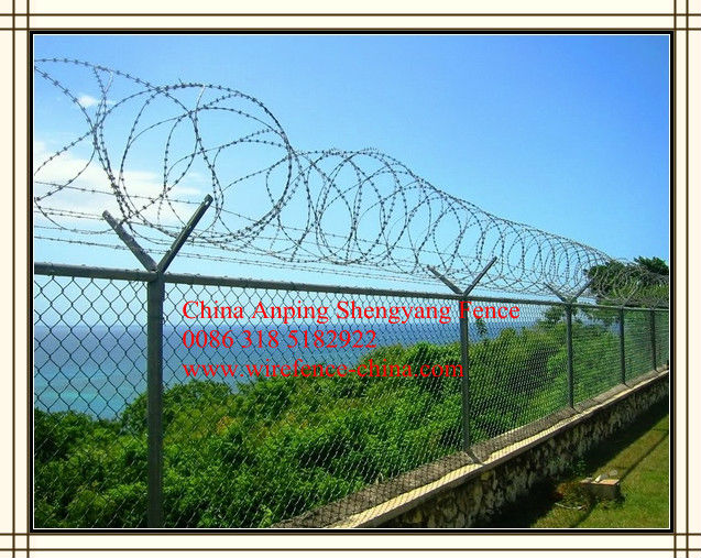 China chain link wire mesh fence factory