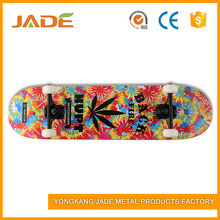 High quality truck can be OEM logo customized 4 wheels skateboard
