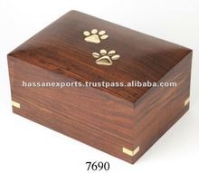 Wholesale Supplier of Wooden Pet Cremation Urns