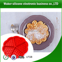 Food Grade Non=toxic 5 Holes Heart Shaped Wafer Waffle Mould Cake Baking Tools Silicone Waffles Molds