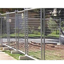 2015 New Product Galvanized and PE Coated Temporary Fence Stands Concrete, Used Temporary Fence