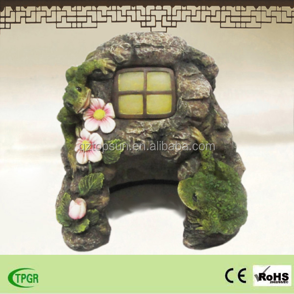 New design polyresin house solar led light for crafts