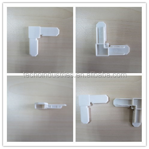Plastic replacement parts for window screen screen corner for single hung window