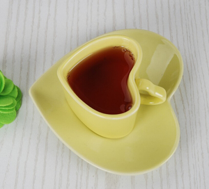 Haonai heart shaped drinkware fine porcelain coffee set coffee cup with saucer