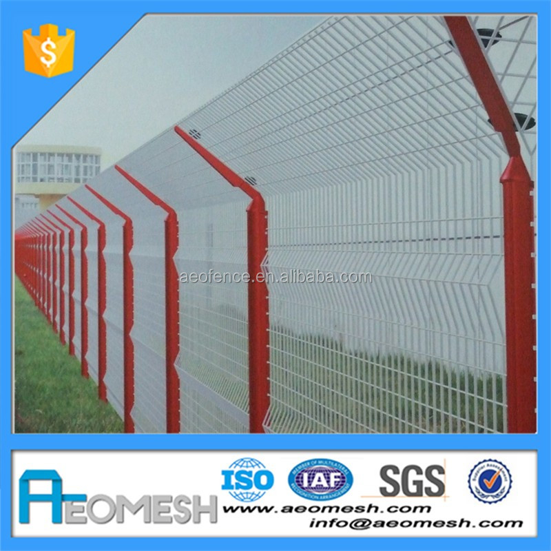 Hot dip galvanized wire woven farm protective chain link fence Y post airport fence