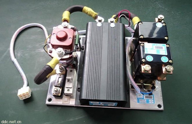 DC controller assembly for electric car