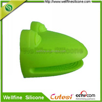 Heat resistant silicone kitchen glove