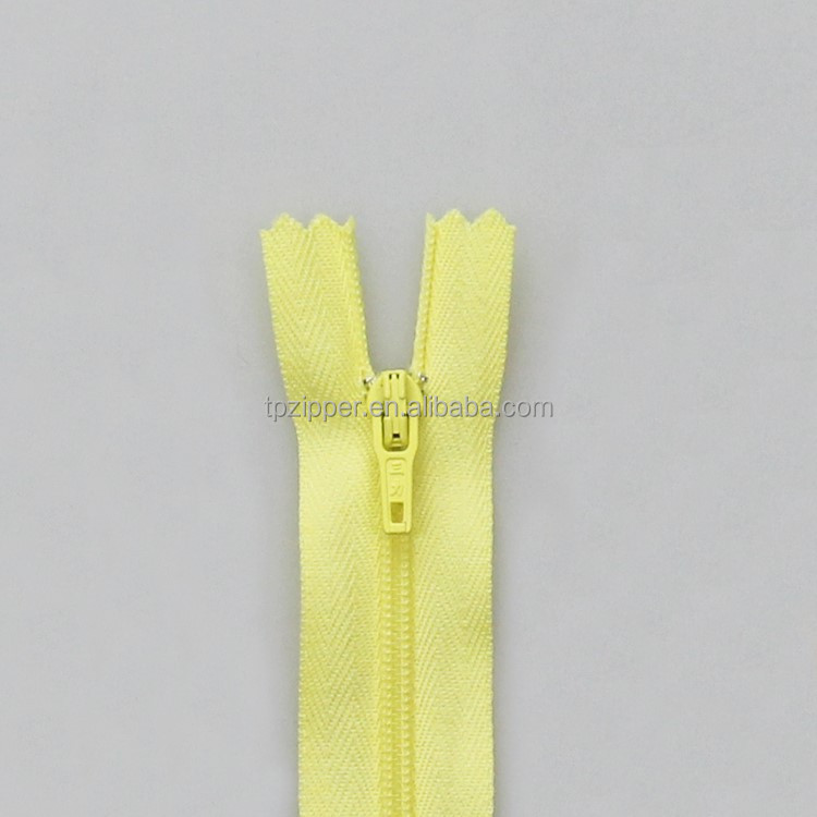 Zipper Coiling Machine Made #3 Closed End Nylon Zipper for Garment Accessory