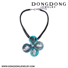 DD-CLB00000251 DongDongJewelry new wax cord resin flower design statement necklace for women