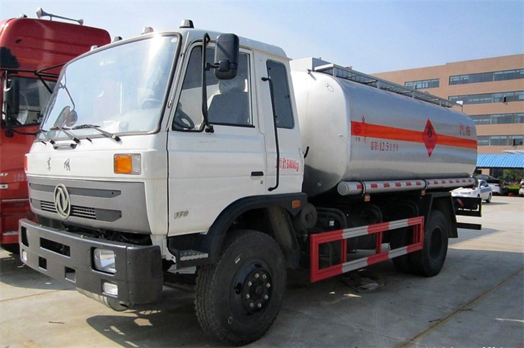 2015 New Design 4x2 dongfeng brand 15000L capacity fuel tank truck