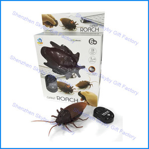 Plastic Funny Gift Infrared Remote Control Simulation Cockroach Toy