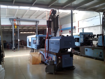 PVC injection molding machine LSF308