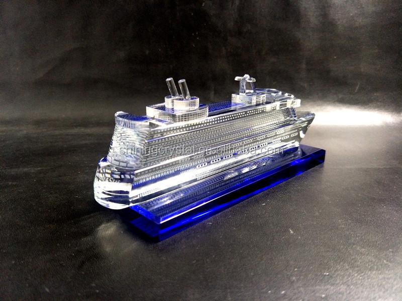 crystal yacht model 05.jpg