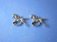Factory wholesale fashion small cute horse charm zinc alloy 18x15mm antique silver plated horse charm for bracelet