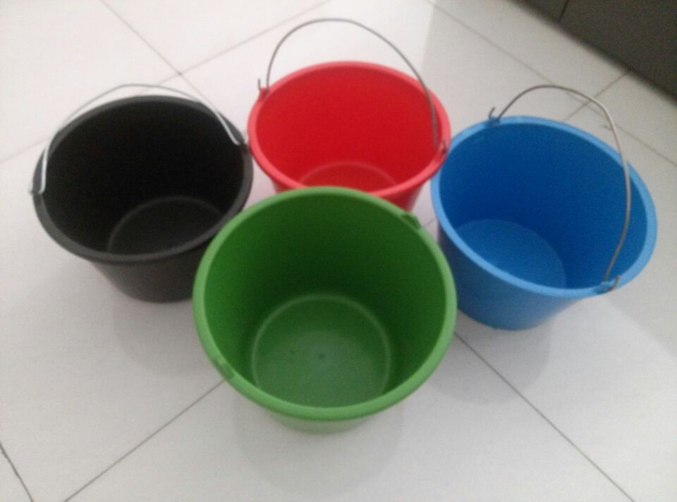 10 gallon cheap plastic bucket