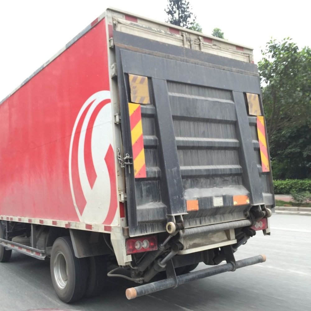 2.0t hydraulic lifting equipment tailgate for truck body part