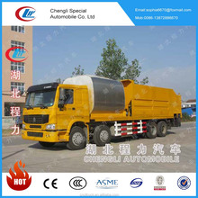 Hot sale Sinotruck HOWO 8x4 10M3 Synchronized crushed stone seal layer truck with cheap price