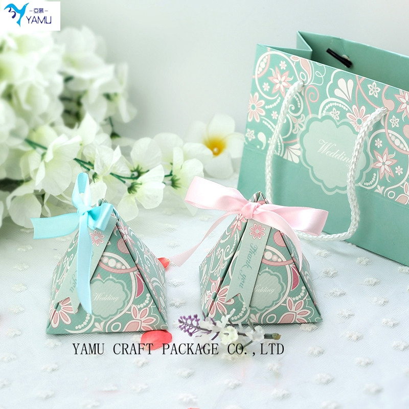 wedding candy box triangle candy box style with ribbon