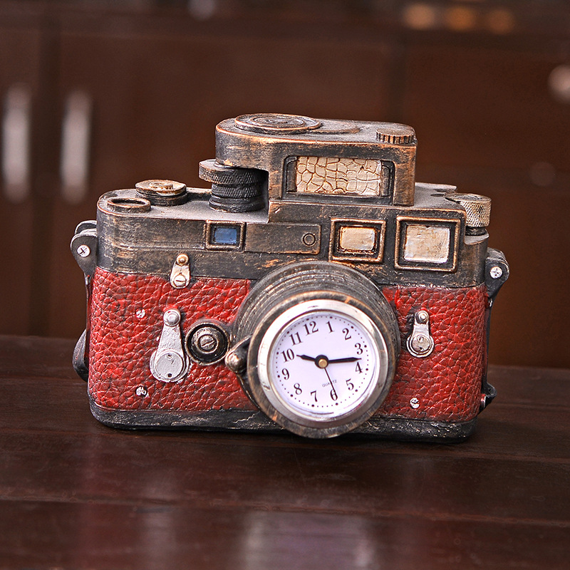 Hot sale small red resin camera design clock crafts for kids gifts