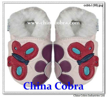 genuine leather soft sole baby shoes with fur inside