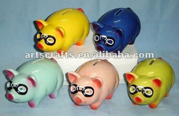Ceramic piggy bank decoration