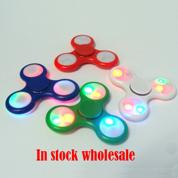2017 new products plastic hand spinner with LED fidget spinner toy