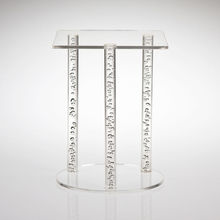 New arrivel custom lighted acrylic cake table stand