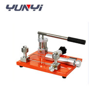 Hand manual pressure pump test bench pressure calibrator