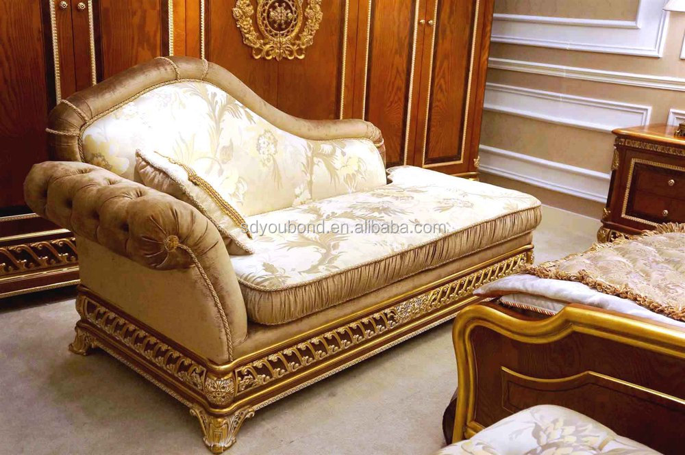 2015 0062 Classical Luxury Wooden Italian Style Bedroom Furniture