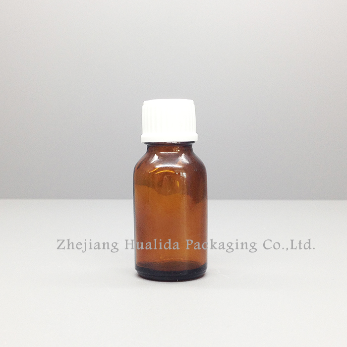 China Wholesale Websites 15Ml Mini Glass Essential Oil Bottles