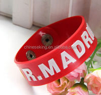 Plastic bracelet of fashion and personality, promotional gifts
