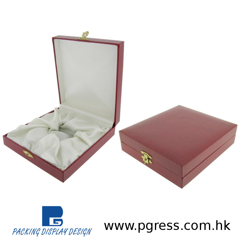 Elegant & sophisticated, colorful plastic boxes for pocket colors plastic packaging for pocket watches and pocket timepieces