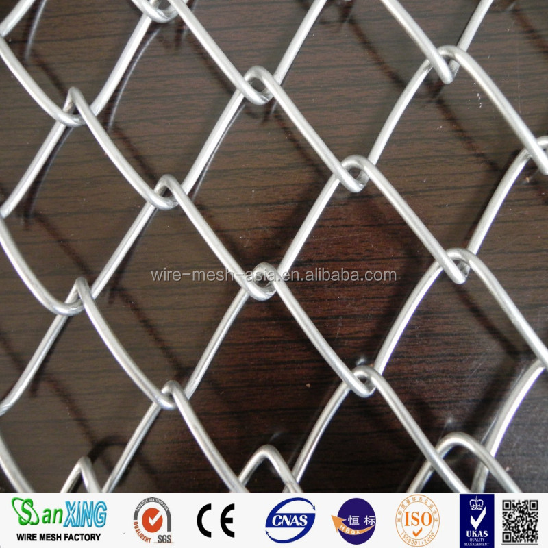 low carbon steel decorative chain link iron wire mesh fence
