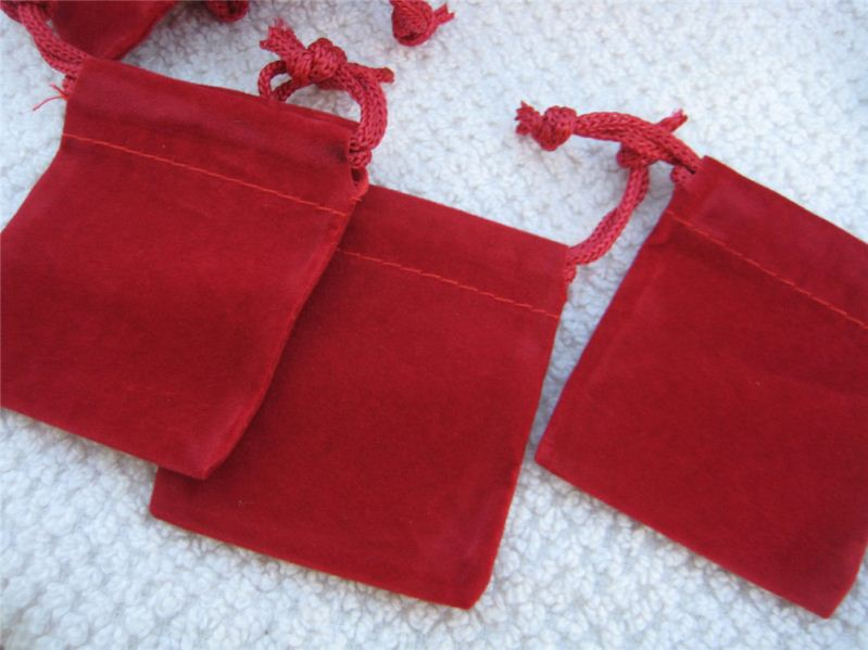 Customized professional velour drawstring jewelry pouches