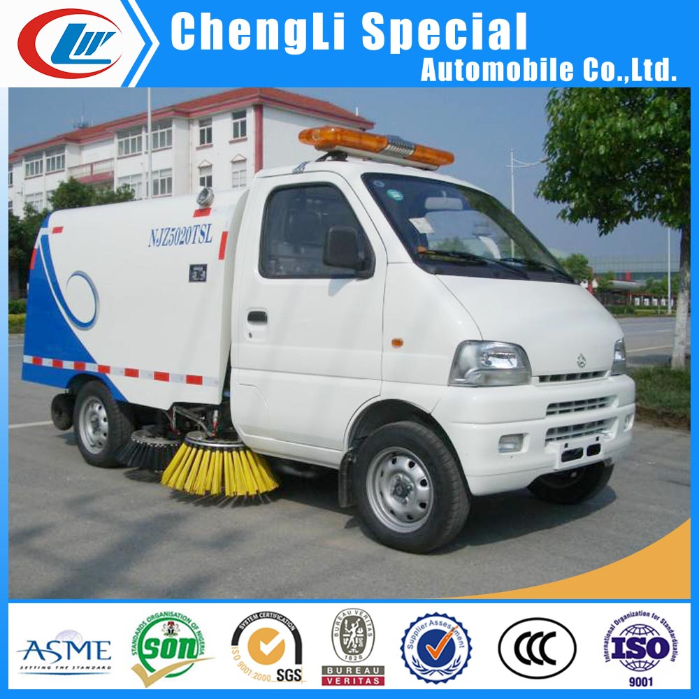 Small Vacuum Street Sweeper Truck for Road Sweeper in Luanda Angola