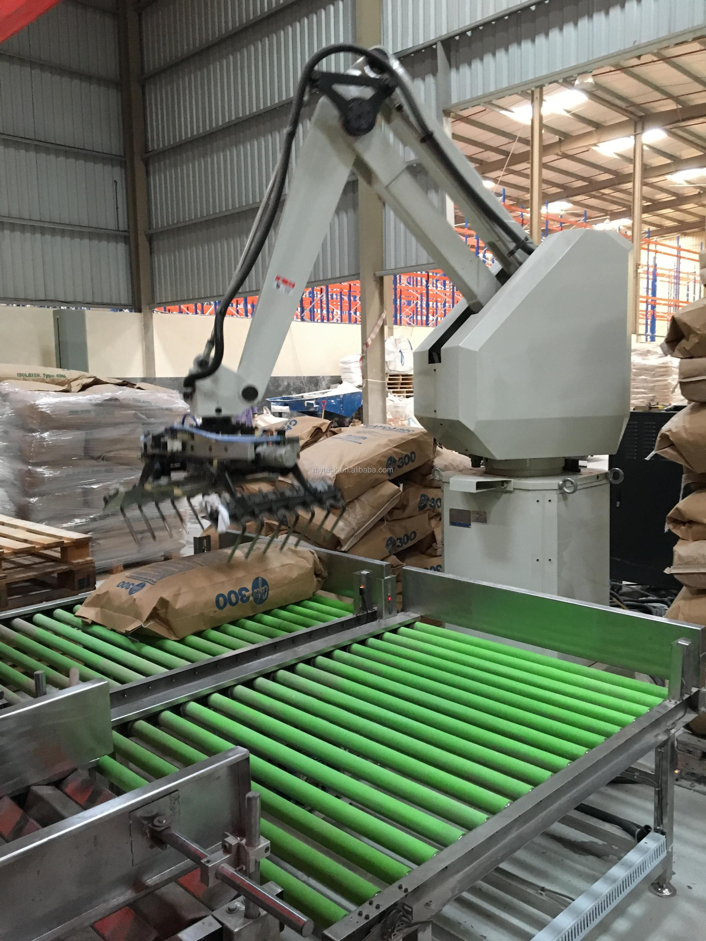 Automatic Robot palletizing stacking machine/ palletizer price Guangzhou China