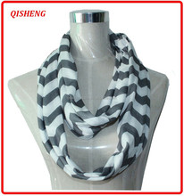 Hot selling colorful chevron design infinity scarf nursing infinity scarf