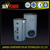 Solar water tank with heat exchanger