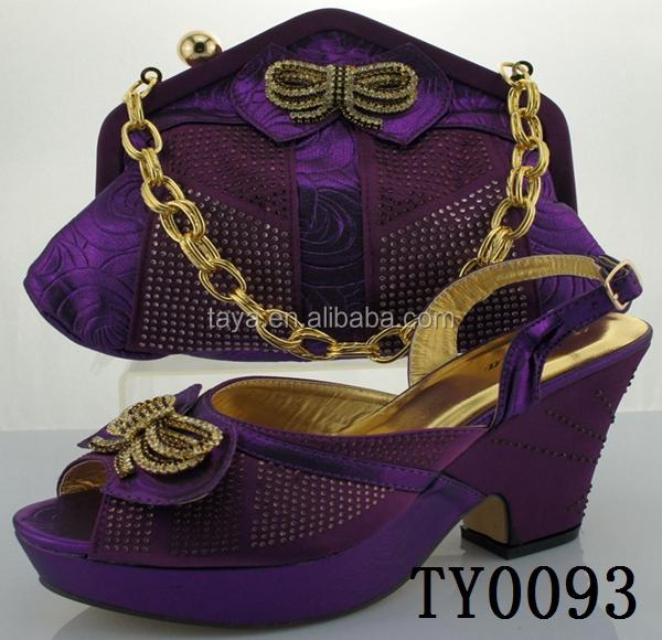 Dames chaussures de soirée et des sacs correspondant mode haute talons