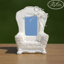 White Mini Sofa Ring Display Used Jewelry Display Cases Jewelry Display Wholesale