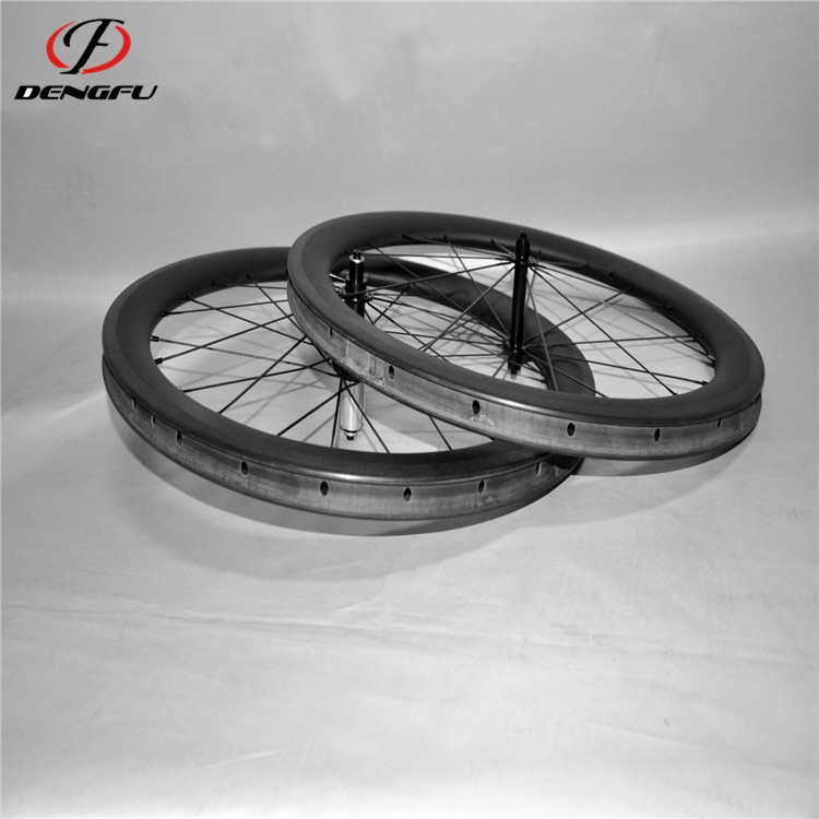 one year warranty carbon clincher wheelset 700C 56mm depth carbon wheels road