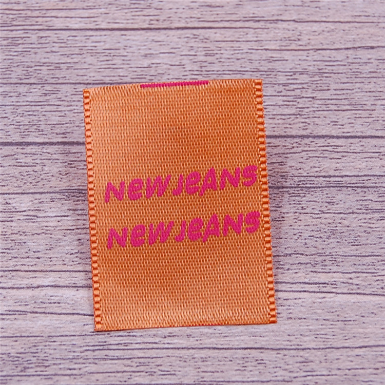 Chian Factory custom high quality woven textile labels for clothing