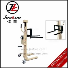 Crown quality Factory Price 1-2T Hand adjustable fork Manual Hydraulic Stacker on sale