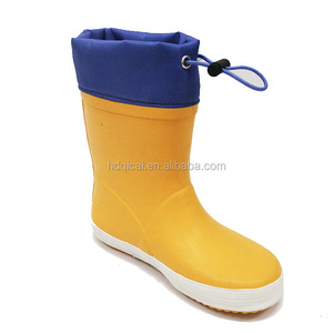 New Style Fashionable Children Yellow Rubber Rain Shoes with Fiber Upper