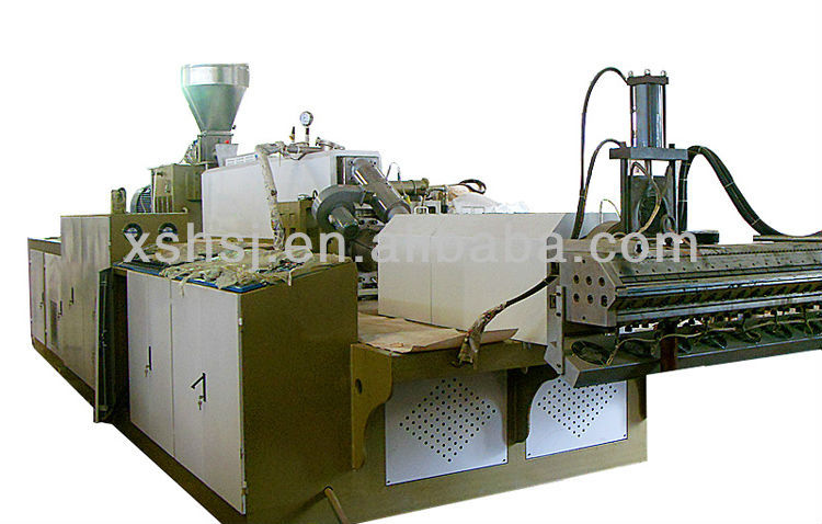 EVA (ethylene vinyl acetate) and ABS (acrylonitrile butadiene styrene) plastic sheet extusion machine for car interiors