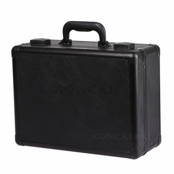 Koncai Lightweight Makeup Case With Mirror